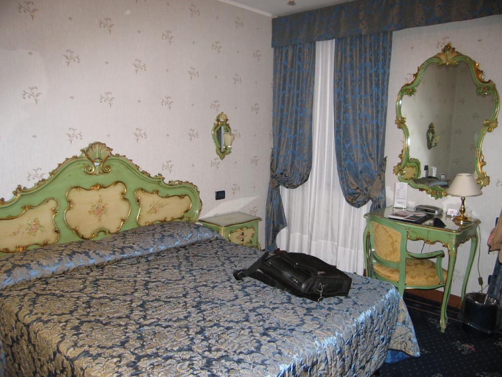 b2-hotel 4 1